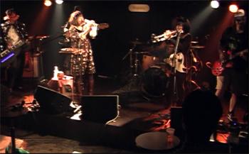 live_20111023_02.jpg