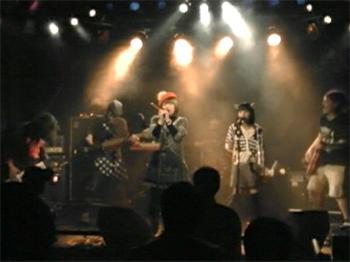 live_20111101_03.jpg
